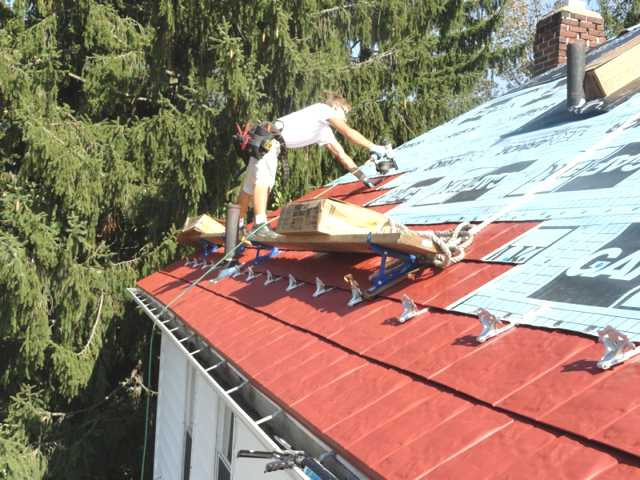metal-shingles-roof-installation